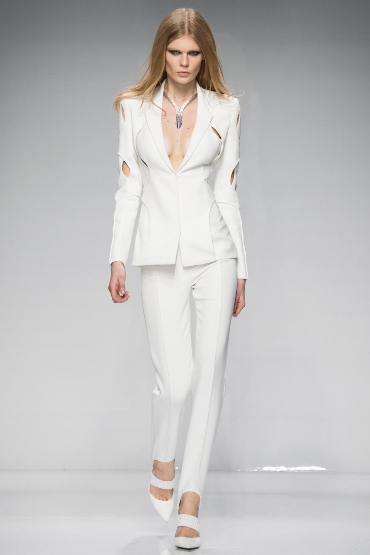 Luxusn sportovn m da podle haute couture versace for Couture atelier