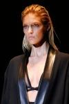 021-Gucci-mokry-vzhled-top-10-jarnich-ucesu-vlasy-strihy