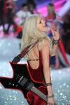 013-Victorias-Secreet-Fashion-show-2013