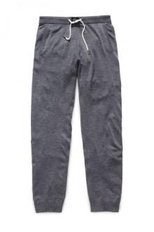 01-David-Beckham-HM-bodywear-for-men-2014