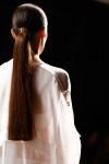 006-Jason-Wu-super-nizky-konsky-ohon-top-10-jarnich-ucesu-vlasy-strihy