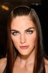 013-Donna-Karan-pokerova-tvar-top-10-jarnich-ucesu-vlasy-strihy