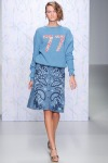 001-Holly-Fulton-disco-kudrliny-top-10-jarnich-ucesu-vlasy-strihy