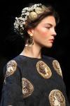 006-Dolce -x-Gabbana-ozdoby-do-vlasu-top-10-jarnich-ucesu-vlasy-strihy