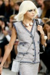 015-Chanel-rozcepyreny-bob-10-jarnich-ucesu-vlasy-strihy