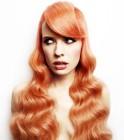 023-cervene-vlasy-barevne-ucesy-barva-krve