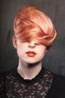 025-ruzova-barva-na-vlasy