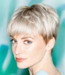 015-platinova-blond--vlasy-ucesy-strihy