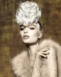 022-platinova-blond--vlasy-ucesy-strihy