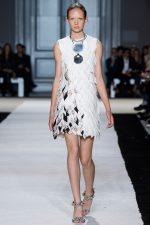 002-giambattista-valli--ready-to-wear-rtw--jaro-leto-spring-2015--paris