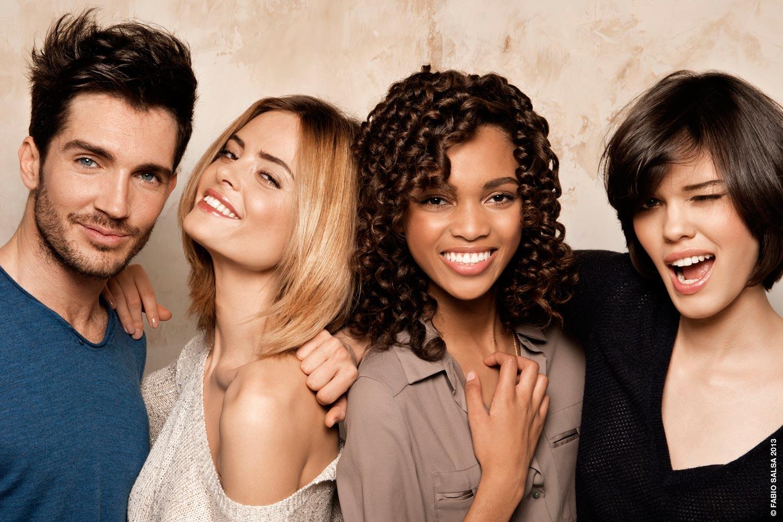 Po létě si vlasy zaslouží více péče a s návštěvou kadeřnictví lze spojit i změnu účesu.