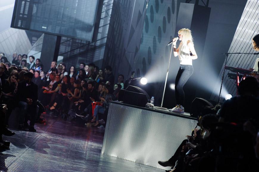 Momentky z módní přehlídky H&M v Paříži