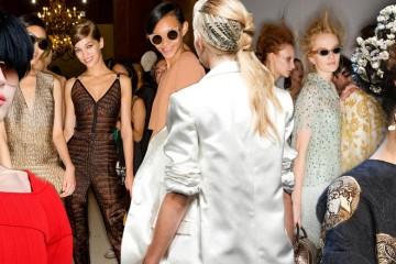 Módní stylisté shrnuli letošní účesové trendy pro jaro a léto do 10 módních účesových trendů.