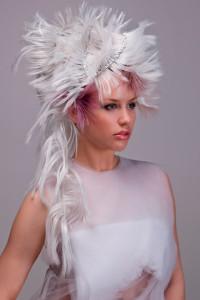 Účesy z kolekce CUT: Petra Vavrušková – vlasové studio Vavruškovi, Real, bílý drdol.