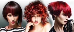 Příroda stvořila zrzky, ale ne rudovlásky. Přesto jsou červené vlasy nejvyhledávanější barvou, kterou si na vlasy dáváme, abychom se sice pořád držely při zemi, ale přesto se trochu odklonily od nudné reality. Podívejte se na 50 účesů s červenými vlasy – pro krátké vlasy, pro dlouhé vlasy i pro střední délky dámských účesů.