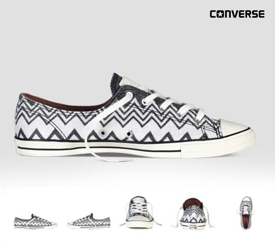 Conversky Missoni s cik-cak vzory: černobílé nízké tenisky konversky z kolekce Converse x Missoni Chuck Taylor All Star.