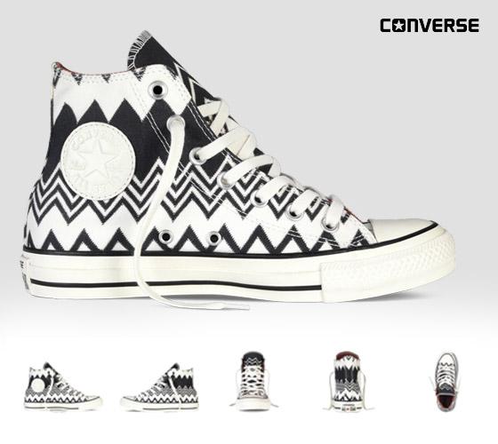 Conversky Missoni s cik-cak vzory: černobílé kotníkové konversky z kolekce Converse x Missoni Chuck Taylor All Star.