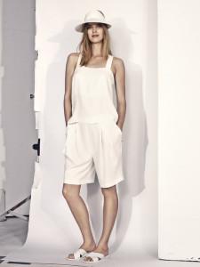 V jednoduchosti je krása – to dokazuje tento outfit z kolekce oblečení H&M pro letošní léto.
