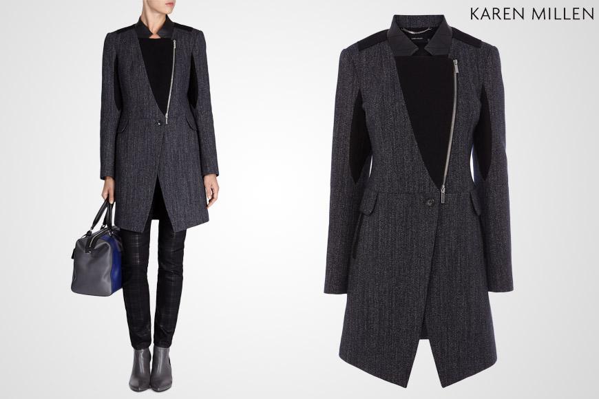 Podzimní kabát Karen Millen s džínsovou strukturou kombinuje materiály a chlubí se dekorativním zipem a límečkem.