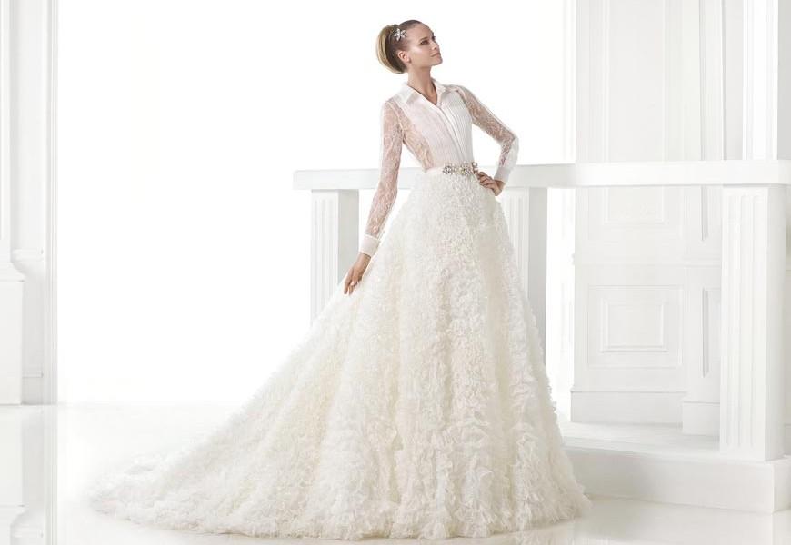 Svatební šaty 2015 z kolekce Pronovias Atelier 2015.