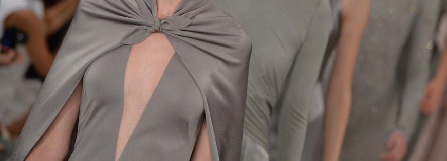 Série týdnů módy Fashion Week začíná právě dnes newyorskými módními přehlídkami. A ve stejný den, dnes, začíná také Fashion Weekend v Praze.