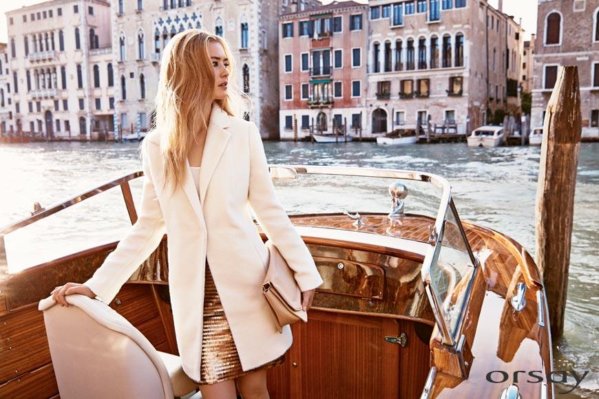 Hřejivé pleteniny a teplejší kousky šatníku představuje lookbook Orsay jako trend s názvem Cosy Time.