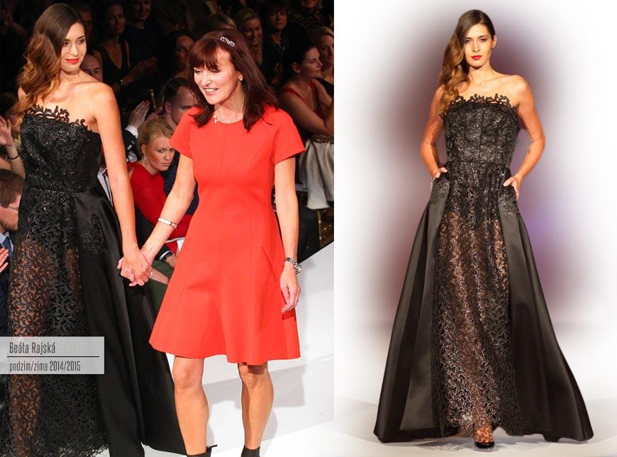 Nejluxusnější šaty z kolekce Beaty Rajské pro podzim a zimu 2014/2015: černý krajkový model večerních šatů. Na obrázku vidíte také návrhářku Beatu Rajskou.