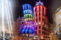 Festival světla SIGNAL 2014 rozzáří i o víkendu Prahu světelným uměním.