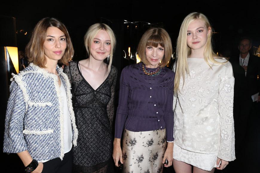 Zleva: Sofia Coppola, Dakota Fanning, Anna Wintour, Elle Fanning