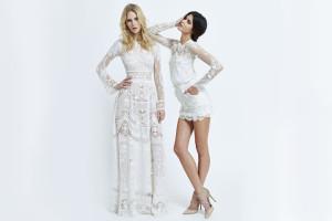 Nádherná bílá krajka je témou také na dalších dámských šatech z kolekce Zuhair Murad S/S 2015.