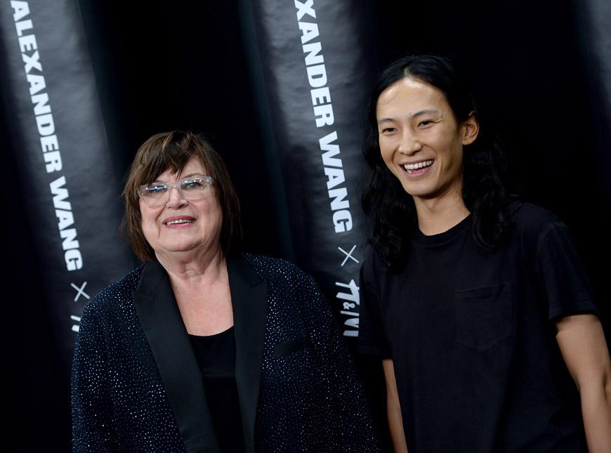 Kreativní poradkyně H&M Margareta van den Bosh a módní návrhář Alexander Wang.