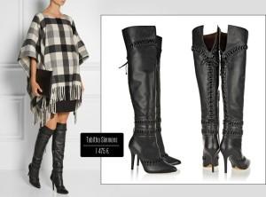 Kozačky nad kolena z módy nevyšly ani letos. Tyto od Tabitha Simmons jsou kombinované v nádherném outfitu s extra módním dekovým kabátem.