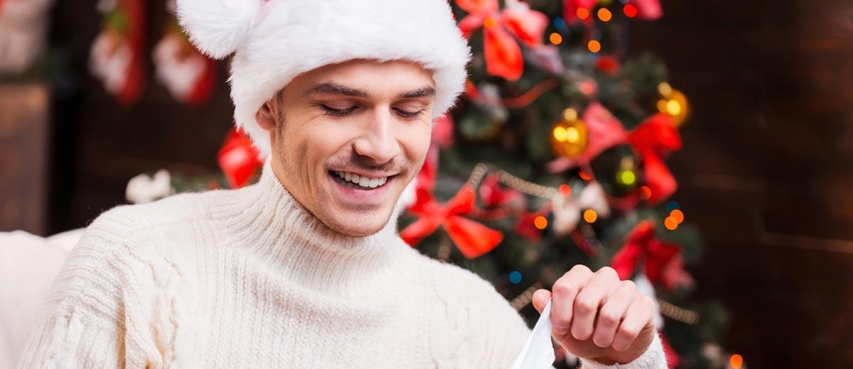 Dostal jsem otázku, co bych si přál pod vánoční stromek. No přece oblečení! Co na tom že jsem muž. Alespoň se pak mohu celý rok vyhýbat obchodům s hadříky.
