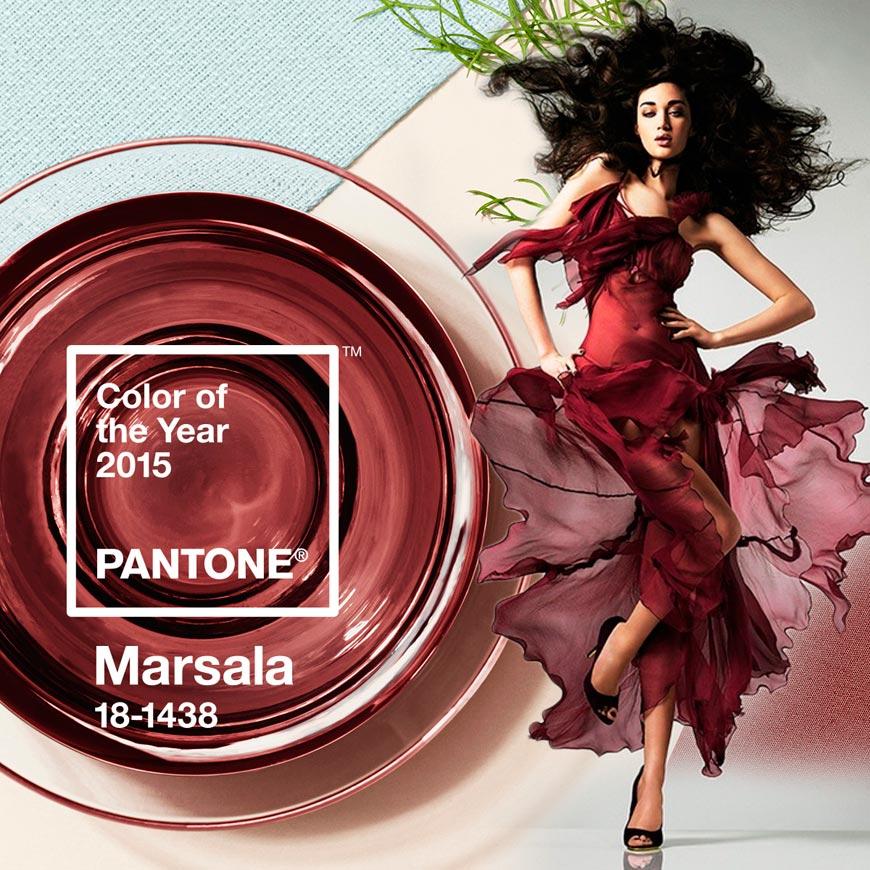 Barva roku 2015 bude správnou volbou také pro vaše společenské šaty na ples.