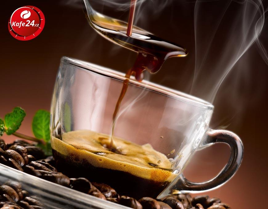 Staňte se gurmánem přes kávu. Naučte se vychutnat si kvalitní čerstvě upraženou kávu.