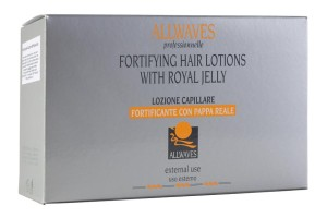 Allwaves Hair Lotions With Royal Jelly je rovněž vlasový zábal pro regeneraci vlasů. Vlasům vrátí krásu, objem a lesk. Obsahuje extrakt z včelí mateřské kašičky, která je bohatá na vitamíny B1, B2 a B6. Vlasová kosmetika obsažená v ampulích dokáže kompletně obnovit vlasovou strukturu zesláblých a silně poškozených vlasů.