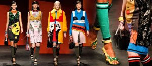 Nová kolekce Prada pro jaro a léto 2014 kombinuje zdánlivě nekombinovatelné v šatníku kombinuje oblečení osvobozující od konvencí.