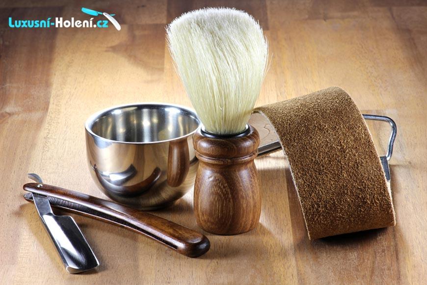 Staronové holení nezklame. Štětka s břitvou nebo s klasickou žiletkou vás oholí naprosto dokonale.