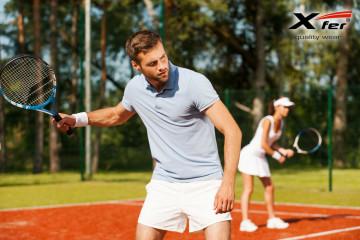 Polokošile patří neodmyslitelně k dámskému i pánskému tenisu. Již dávno nemusí být jenom bílé.