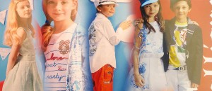 Jarní a letní oblečení pro děti John Galliano Kids má šmrnc a atmosféru letní dovolené.