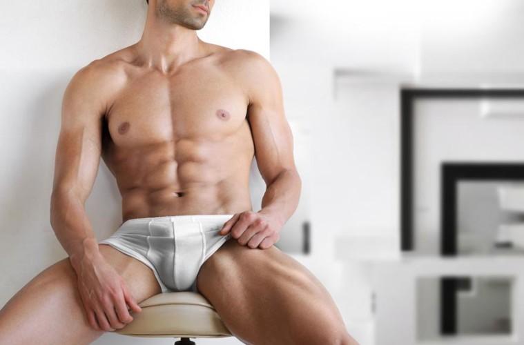 Nikdy nevíš, kdy půjdeš do naha! Pánské spodní prádlo tě nesmí zklamat!