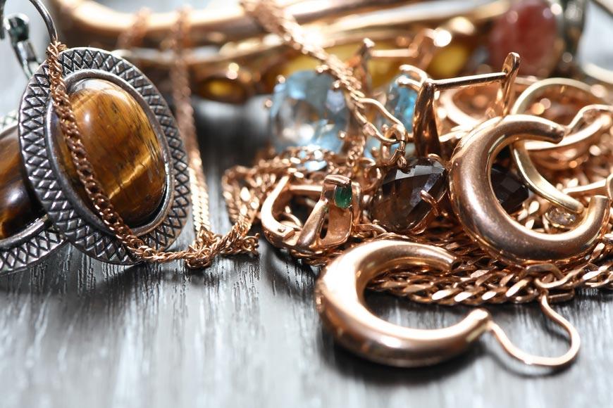 Šperků není nikdy dost. Ženy to chápou, muži méně. Proto se musíte naučit nám mužům říct, že chcete další a další a další…