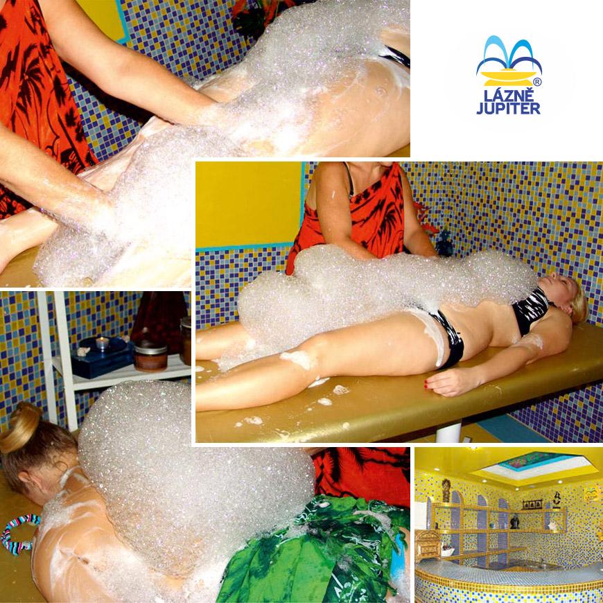 Turecké pěnové masáže Hammam jsou terapií pro duši i celé tělo. Objednejte se na pravou tureckou masáž v pražských Lázních Jupiter.