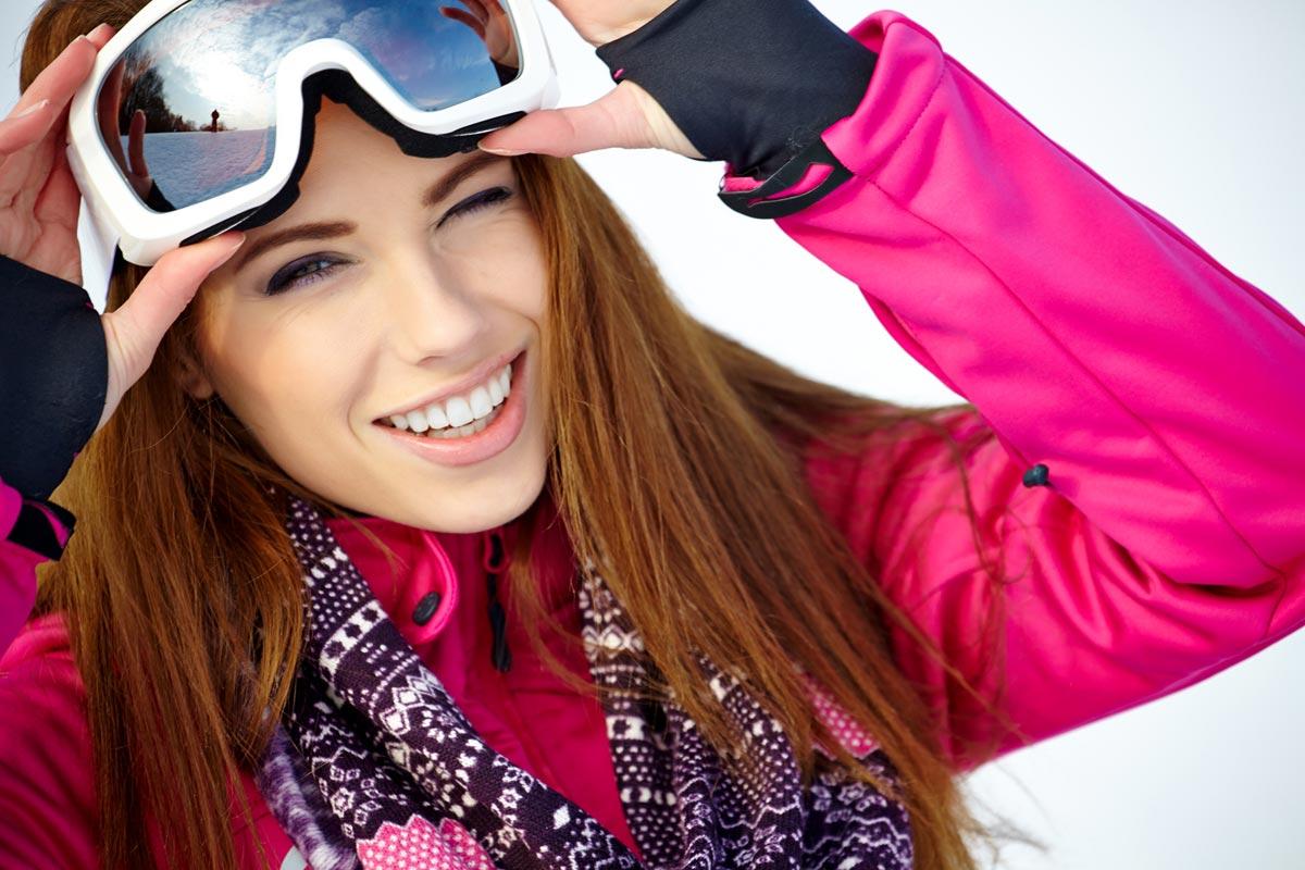 Nakupujte lyže dříve, než přijde lyžařská sezóna. Výprodej lyží nemusí být kompromis ani po stránce módního designu.