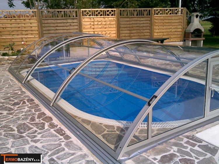 Zastřešení bazénů by mělo být neopomenutelnou součástí všech rodinných bazénů! Bez zastřešení si koupání nikdy 100% neužijete!