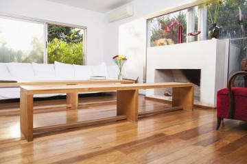 Přírodní dřevěné podlahy se vrací na výsluní. Správně vybrat a položit dřevěné plovoucí podlahy vám pomůže firma Podlahy Bukáček.