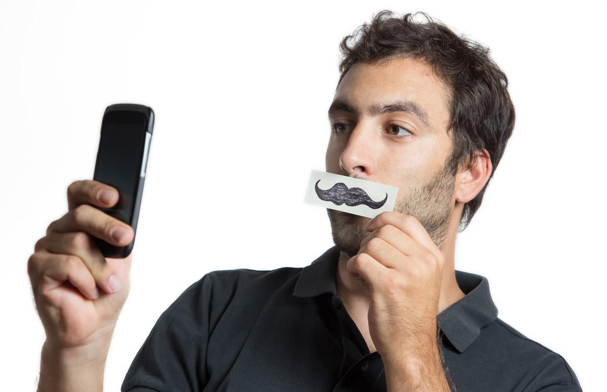 Slavte Movember 2015 a vyfoťte svůj knír!