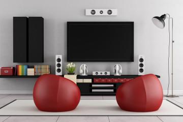 Kvalitní TV stojany i stojany na monitory dokážou vyřešit řadu našich problémů souvisejících s neergonomičností umístěné televize či monitoru počítače.