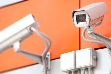 Kvalitní zabezpečovací systémy navržené profesionály ochrání váš soukromý i firemní majetek. Chraňte svůj dům i zboží moderně a účinně!
