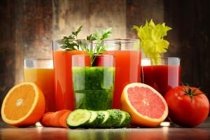Čerstvé zeleninové a ovocné šťávy jsou skvělým pomocníkem při detoxikační kúře. Prospívají dobře fungujícímu metabolismu.